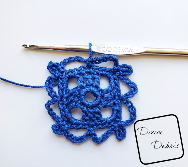 Courtney Earrings crochet pattern photo tutorial: Rnd 5