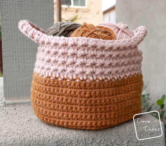 Learn to make the fun and easy Calista Basket from a free crochet pattern on DivineDebris.com