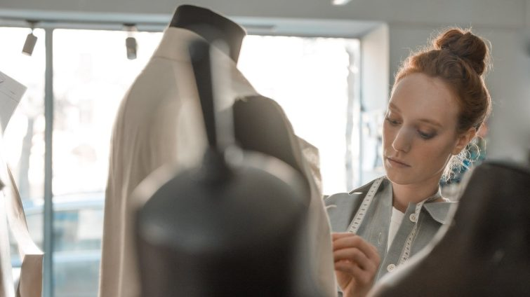 Qualifications Required To Become A Fashion Designer