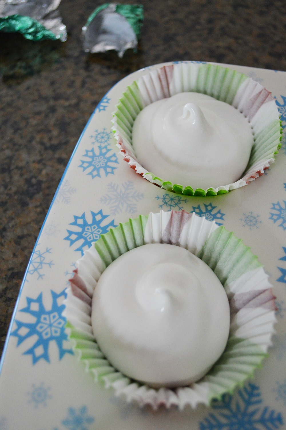 Dove filled meringue (4)
