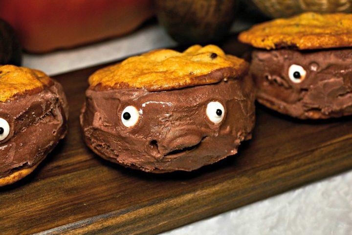 kroger-monster-ice-cream-sandwiches-finish4