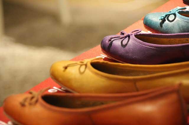 shoes 549066 640