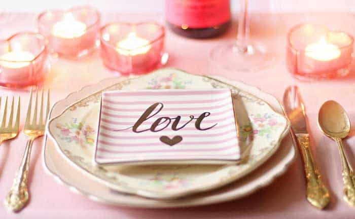 How to Make a Romantic Dinner to Impress Your Girlfriend
