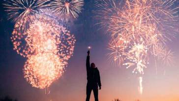 man with fireworks 769525
