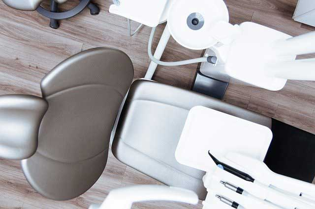 How to Choose a Dentist to Suit Both Adults and Children