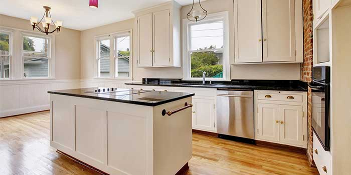 From Installing Kitchen Cabinets To Remodeling: Two Choices To Develop Your Kitchen's Efficiency