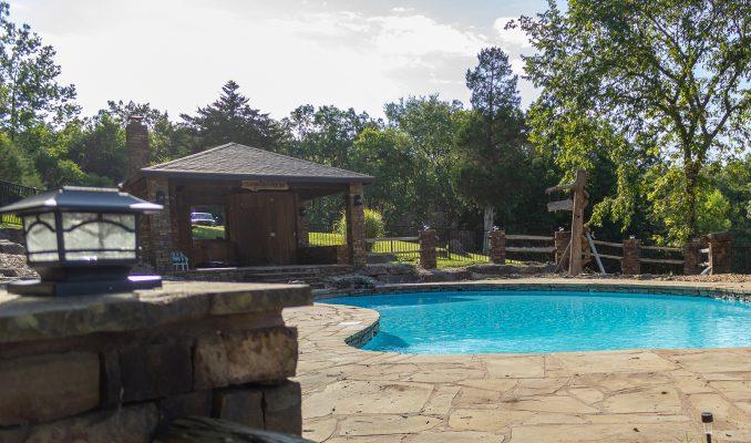 DBR-51_Swimming-Pool_1546x912