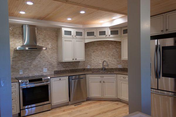 DBR-64_Main-Kitchen_1555x1037