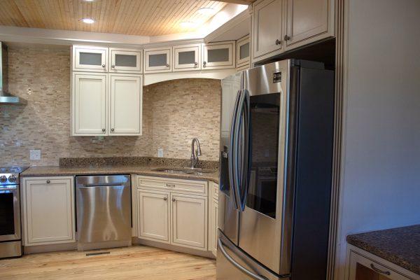 DBR-68_Main-Kitchen_1555x1037