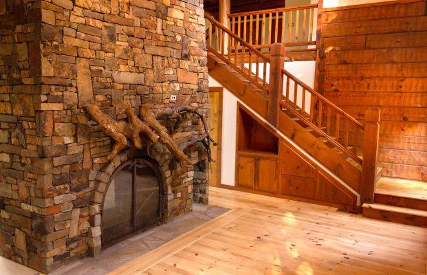 DBR-73_Entry-Fireplace_1502x967