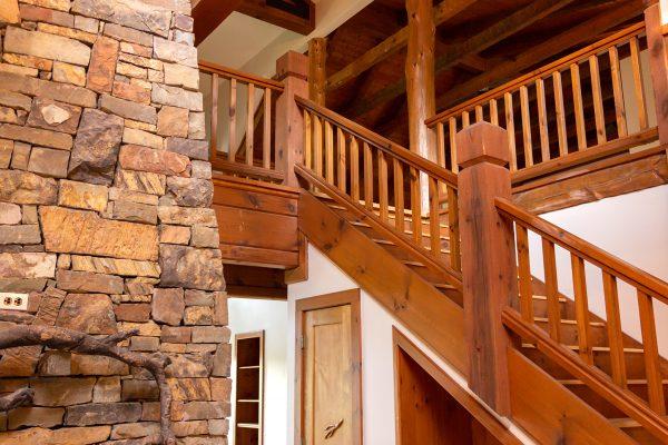 DBR-80_Main-Staircase-Right_1555x1037