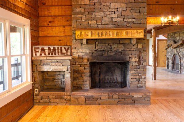DBR-85_FamilyRoom-Fireplace_1555x1037
