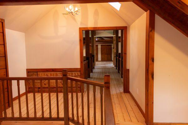DBR-99_Upstairs-Loft-Alcove_1555x1037