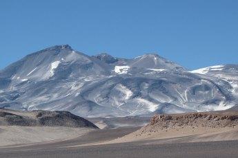Ojos del Salado volcano. Photo by sergejf (Creative Commons)