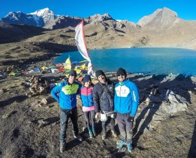 Vitomir Maričić (Croatia), Lidija Lijić (Croatia), and members of their support team at the Annapurna Ice Lake (Nepal). Photo © Ekspedicija.net