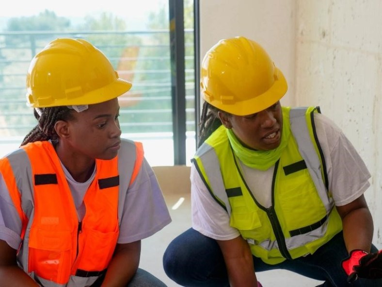 Things to Consider When Looking for the Right Contractors 1