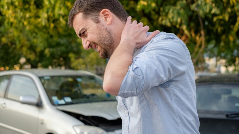 Whiplash: What Is It and How Is It Treated? 2