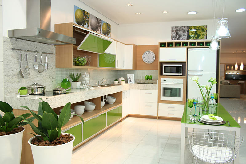 renovar la cocina con vinilo de color greenery Pantone