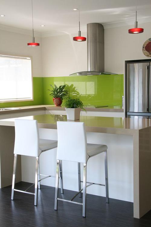 renovar el sapicadero de la cocina con vinilo