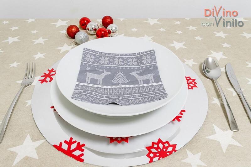 decorar la mesa en Navidad con vinilo cromado