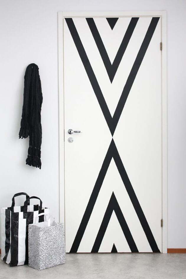 decoración geométrica para puertas
