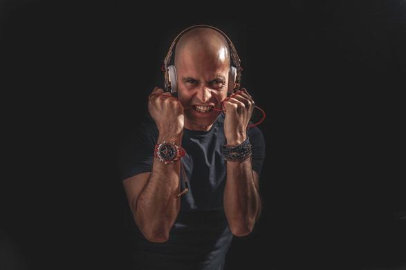OSCAR MINA DJ