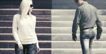 If You're Single And Looking Here's How To Avoid Relationship Disasters