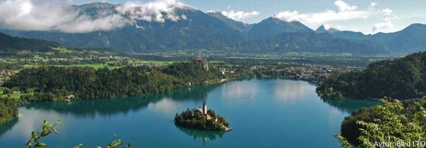 croppedimage975340-Lake-Bled-and-its-surroundings-27-Foto-Bled-LTO-carousel5