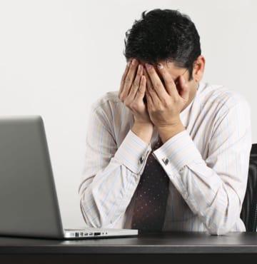 Funcionário desmotivado e triste