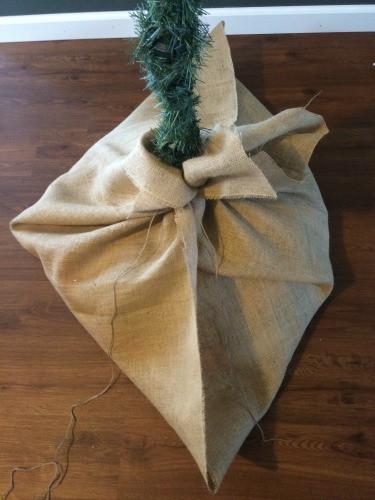 How To DIY Burlap Christmas Tree Base