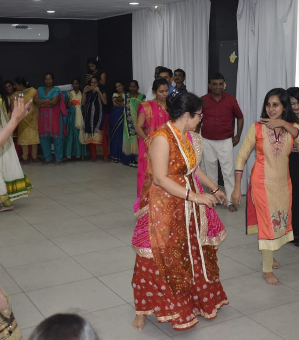 Navratri Celebration dixit hospital vapi (7)