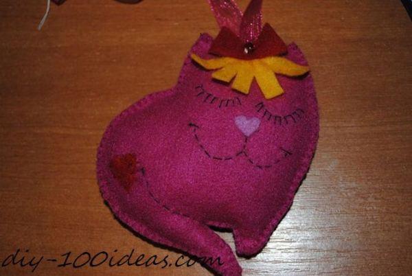 Felt cat ornament (11)
