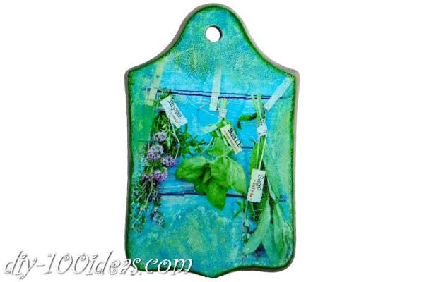 Decoupage wooden cutting board (1)