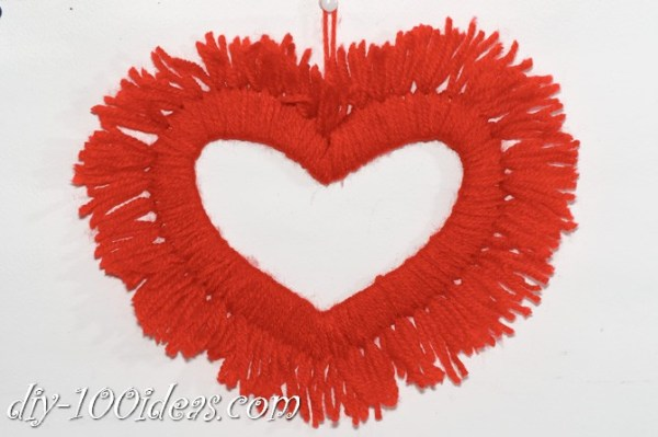Valentine's Day Yarn Hearts craft (11)