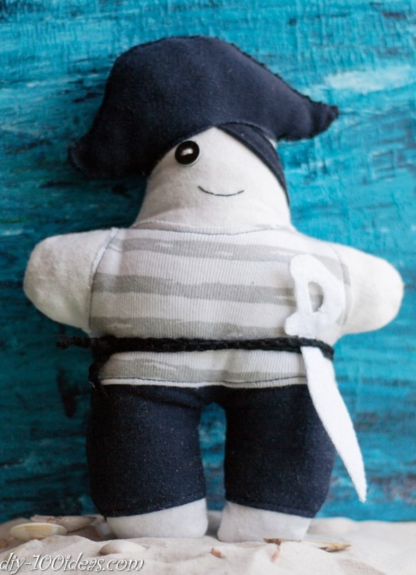 How to sew soft Pirate Doll (11)