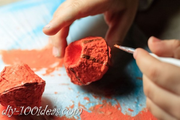 egg-carton-pumpkin-craft-12