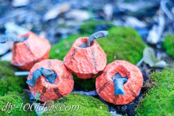 egg-carton-pumpkin-craft-17