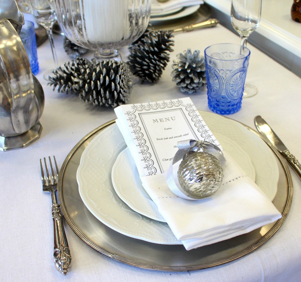 table styling workshop, classic Christmas setting