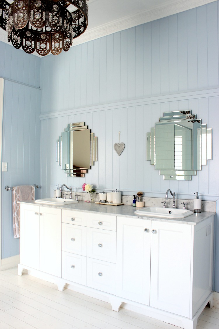 finding bathroom vanity mirrors
