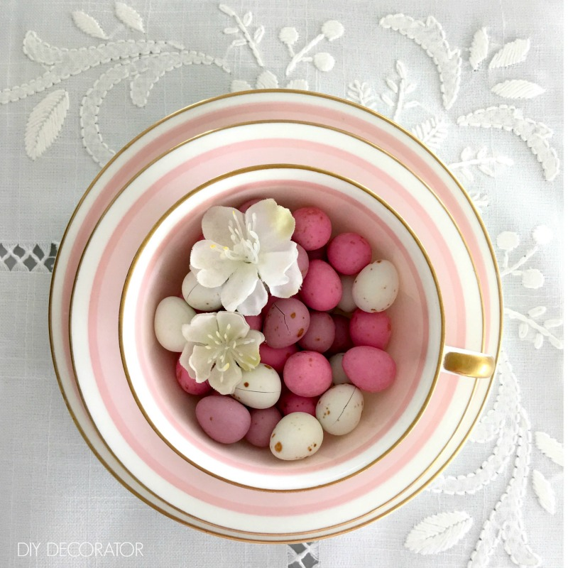 Cute Easter Decorations - Easter egg teacup