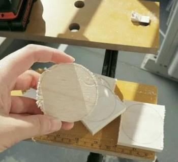 ジクソーで木材を丸く切る