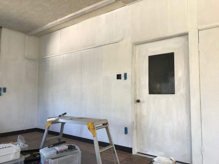 塗装1回目の壁