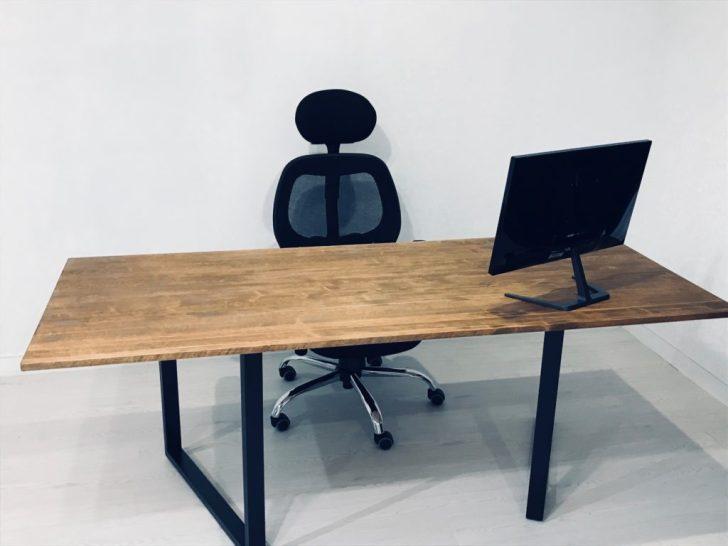 椅子を作った机に設置