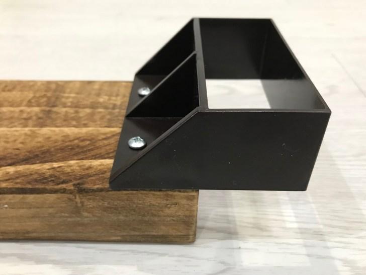 ラブリコ棚受けシングルを2×4材に取り付け
