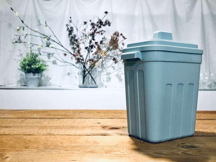 セリアの卓上のゴミ箱