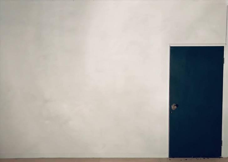 ペンキ塗装だけでモルタル風の壁が完成