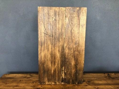 オールドウッドワックス2度塗りしたセリアのすのこラックの背面
