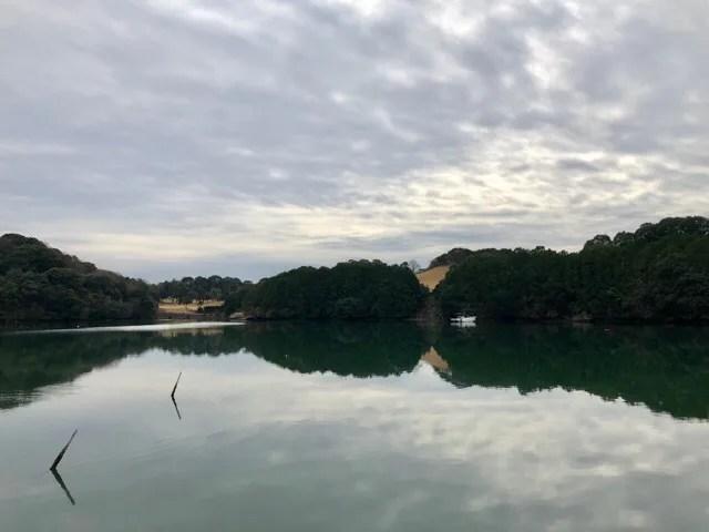 cafe Lepusの目の前には大村湾が広がりまるで湖のよう