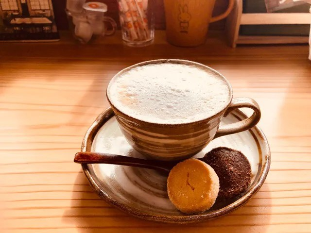 cafe Lepusのキャラメルラテ