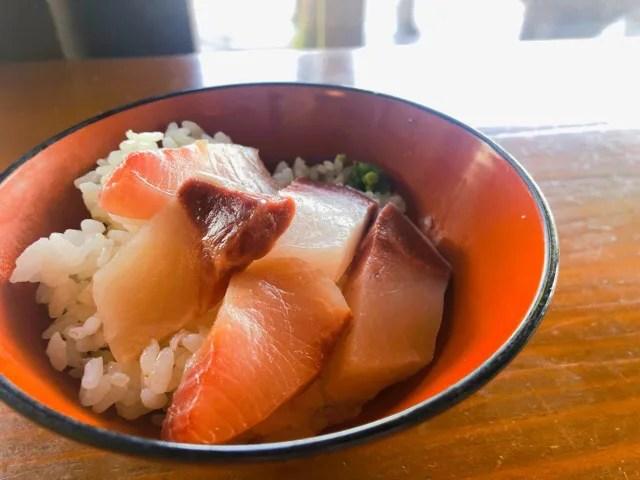 船番所のセルフ海鮮丼